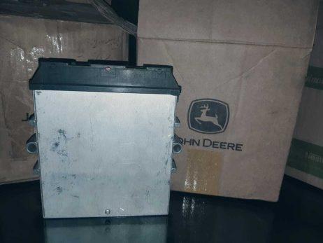 RE528702 John Deere Engine ECM Unit
